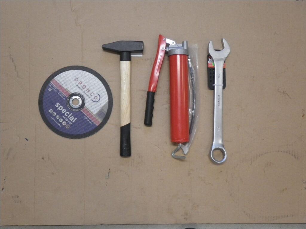 vene traktorite varuosad - tööriistad
